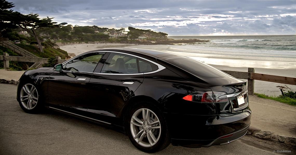 Tesla-Model-S-60-Wallpaper.jpeg