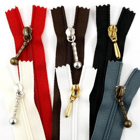 9_zipper_large