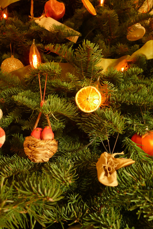 orange-ornaments