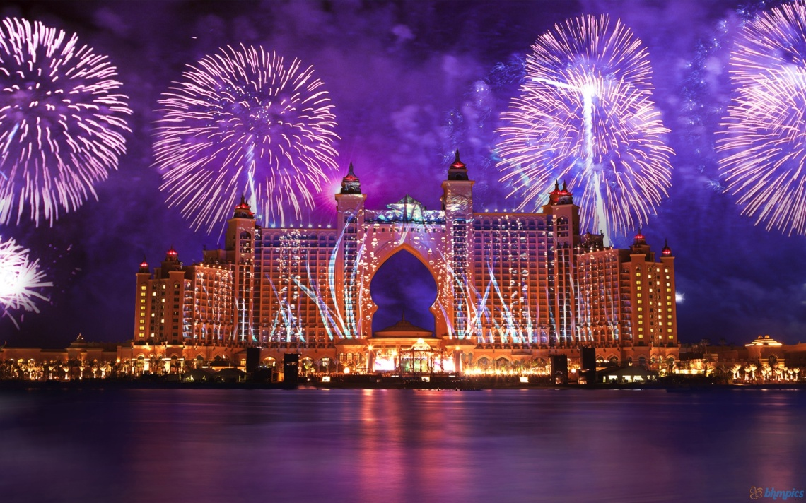 fireworks-wallpapers-307-atlantis-hotel-fireworks-dubai-1920x1200-984270-wallpaper