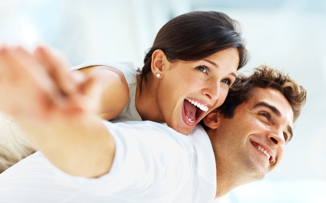 happy-couple-love-and-happiness