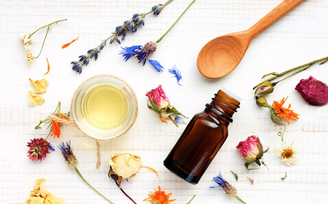 Essential-oils-for-anxiety-collection-flowers