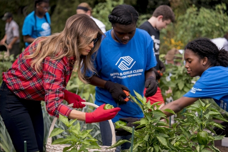 First lady Melania Trump participates in an harvesting and planting event with the Boys and Girls Club of Washington in the White House Kitchen Garden on the South Lawn of the White House, Friday, Sept. 22, 2017, in Washington. (AP Photo/Andrew Harnik)