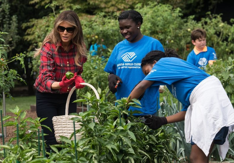 Melania-Trump-Balmain-Gardening-Shirt123