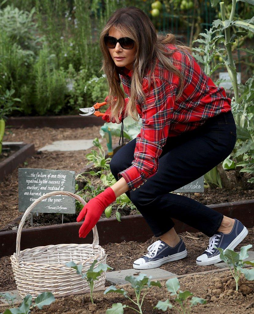 Melania-Trump-Balmain-Gardening-Shirt45
