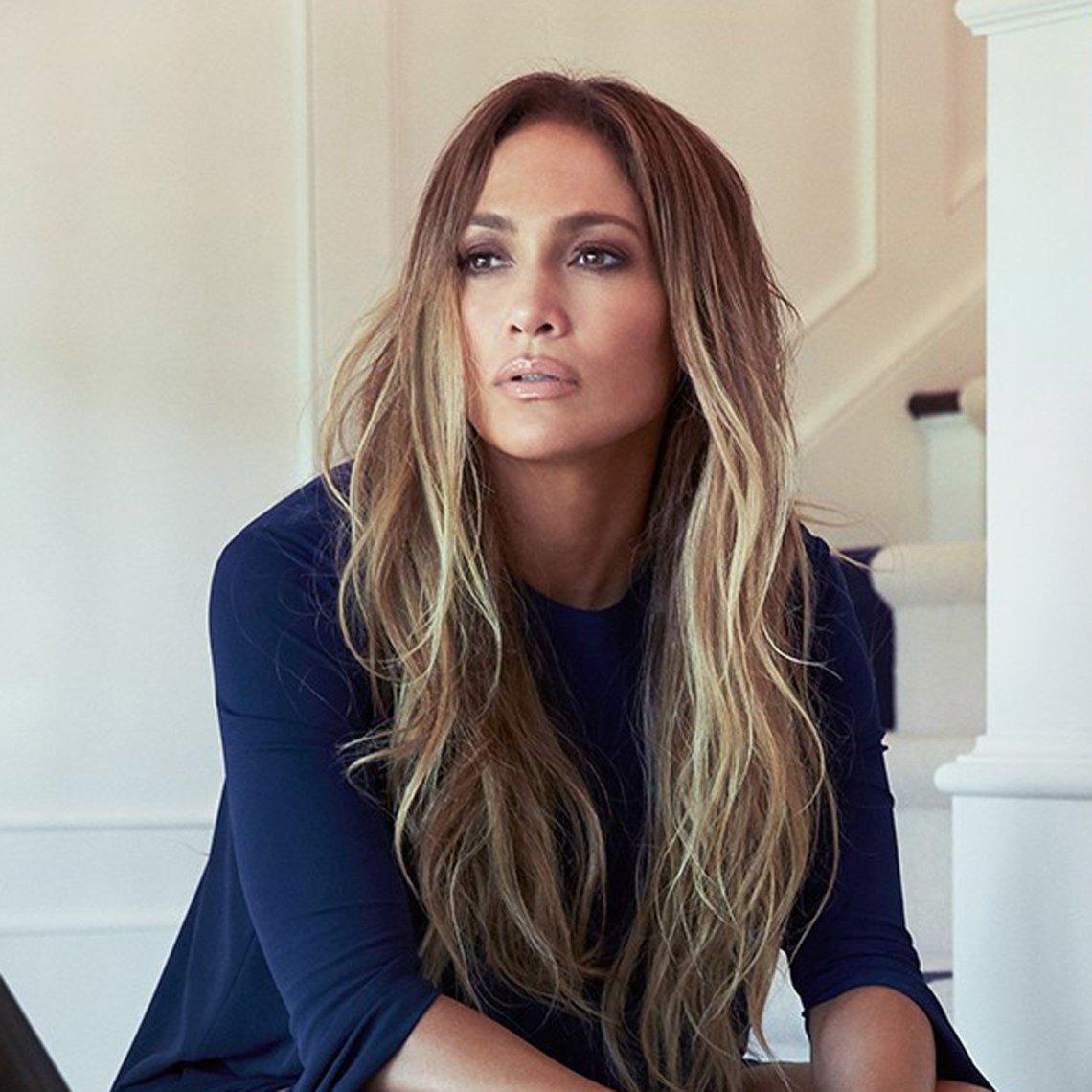 Jennifer-Lopez-Hola-Magazine-Interview-2017
