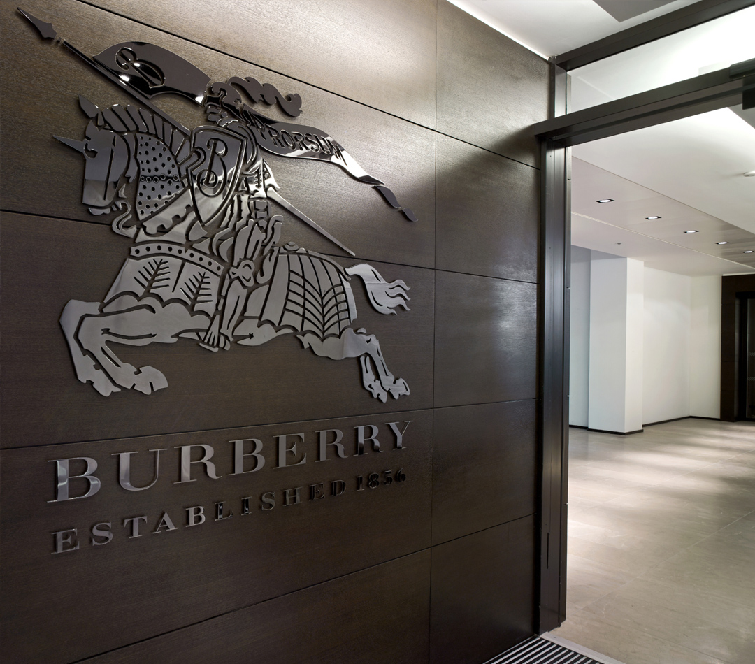 hp-burberry-business-services-hero-img